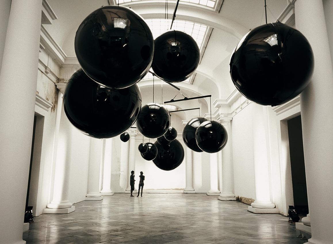 bulle gonflable noir